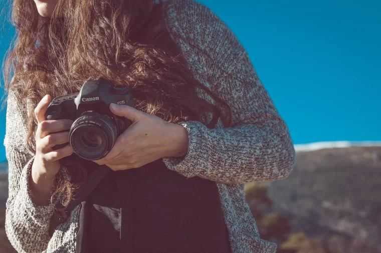 take a photo with canon