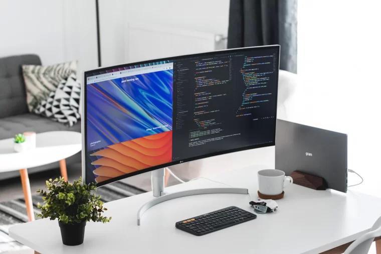 曲面显示器 分屏编程写代码