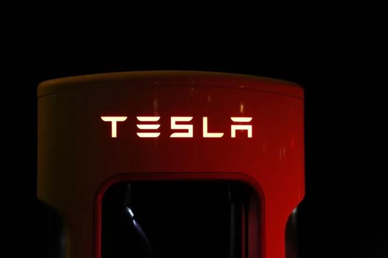 特斯拉 Tesla