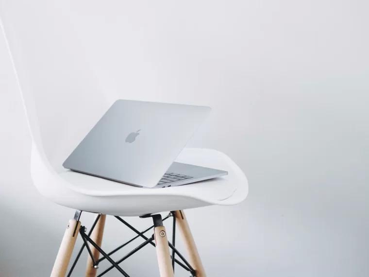 laptop 笔记本电脑/便携式电脑