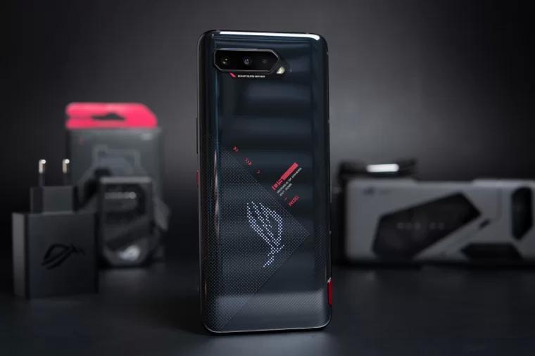 华硕 ROG Phone 5