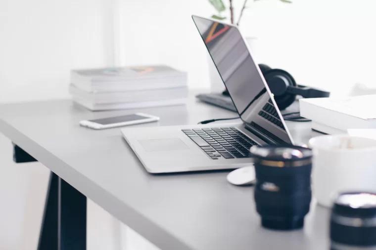 笔记本电脑 laptop