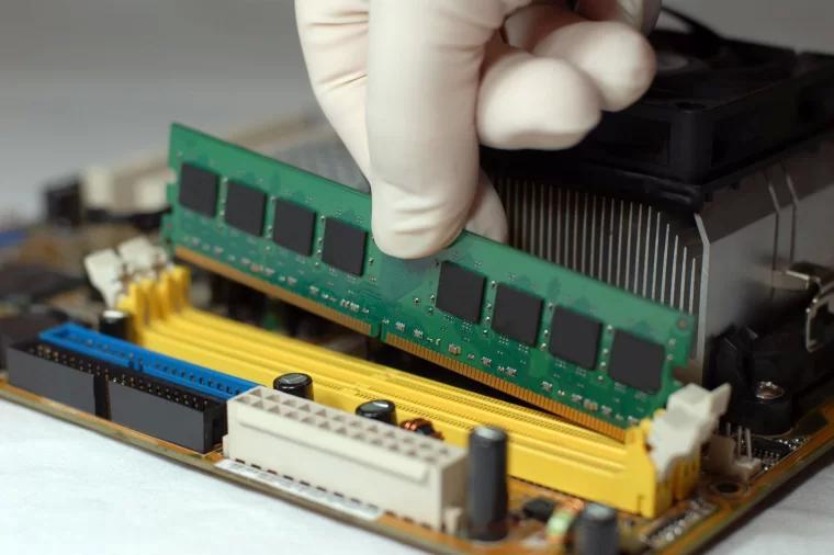 电脑内存条安装 Memory module installation